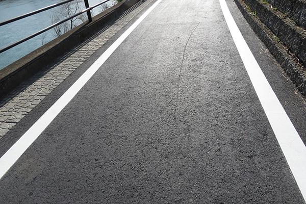 新しい道路